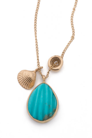 Concha Charm Necklace