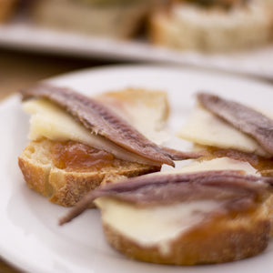 Cantabrian anchovies with manchego cheese and apricot jam