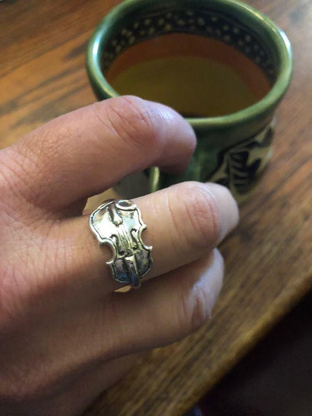 Fiddle ring
