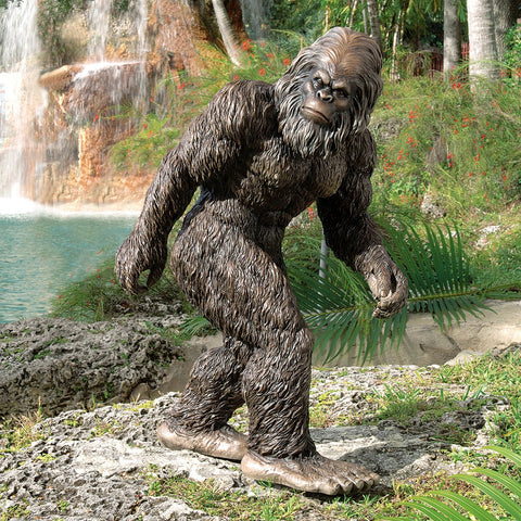 Bigfoot Yeti Garden Statue - oddgifts.com