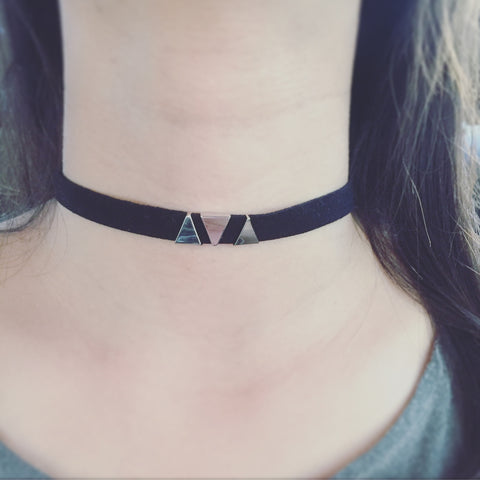 Triple Triangle Choker