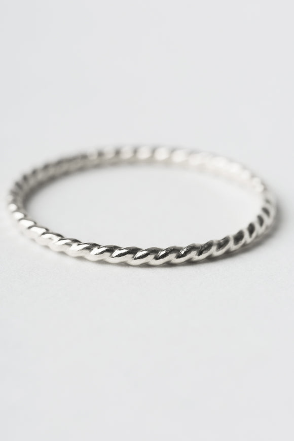 R419 - Twisted Stacking Ring