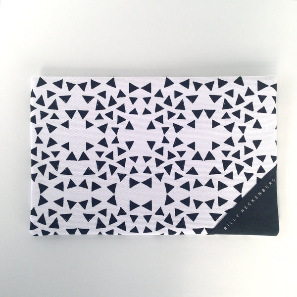 Clutch / Black Triangle One