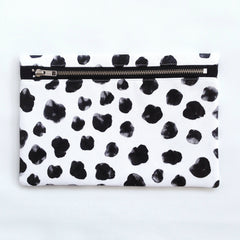 Clutch / Monochrome Cheetah