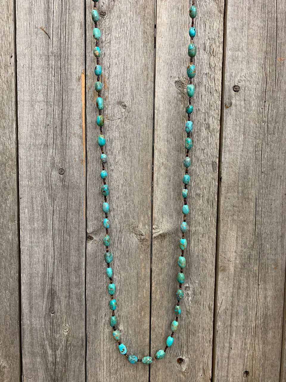 16118 Turquoise with Brown Pin Shell