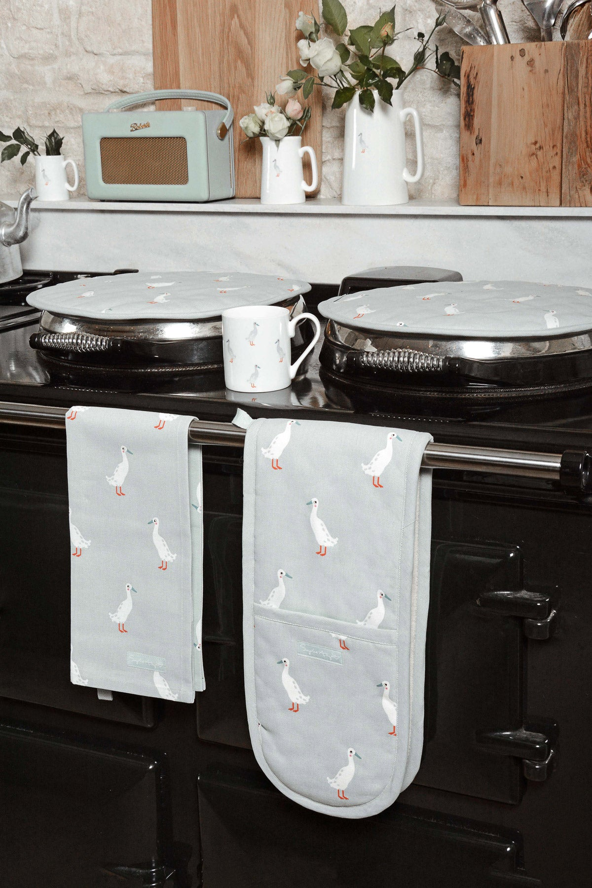 Runner Duck Round Hob Cover
