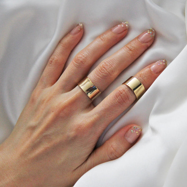 Plain Gold Neoclassical Ring