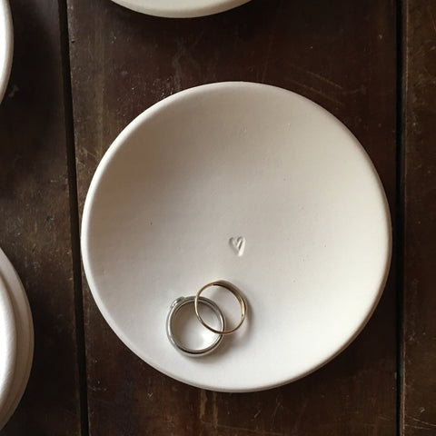 Simple Tiny Heart Ceramic Ring Bowl