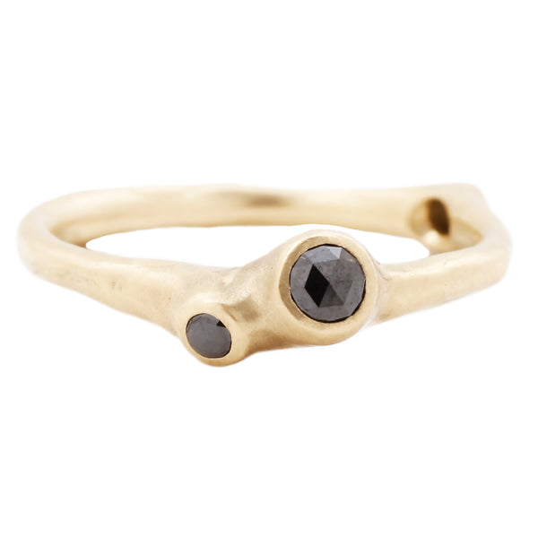 Black Diamond Barnacle Ring