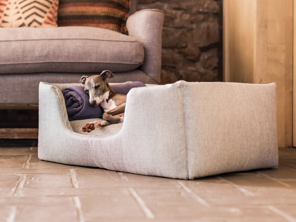Deeply Dishy Dog Bed in Weave Linen