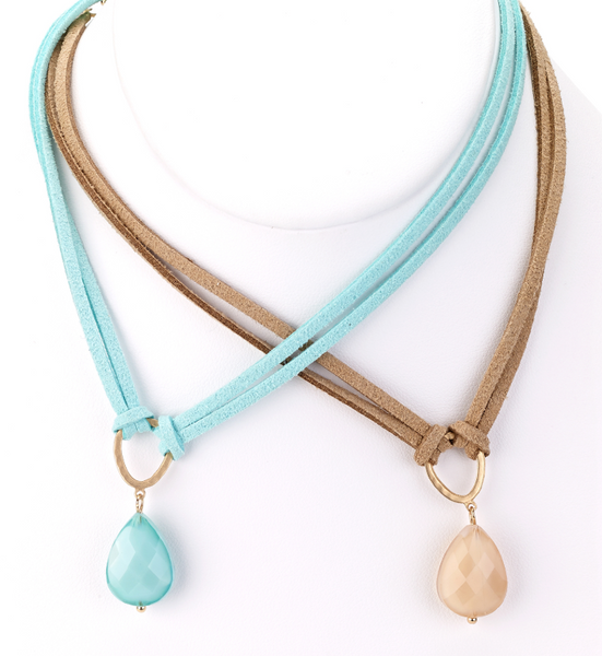 Leather Choker with Teardrop Pendant turquoise and beige