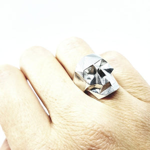 Poligonal skull Ring (L , XL)
