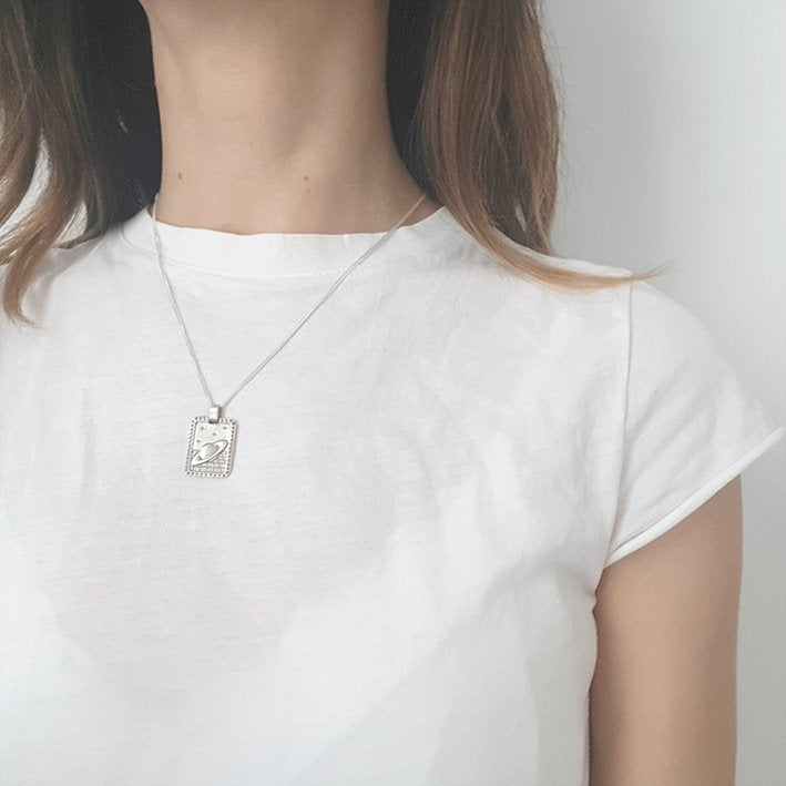 Saturn necklace Silver