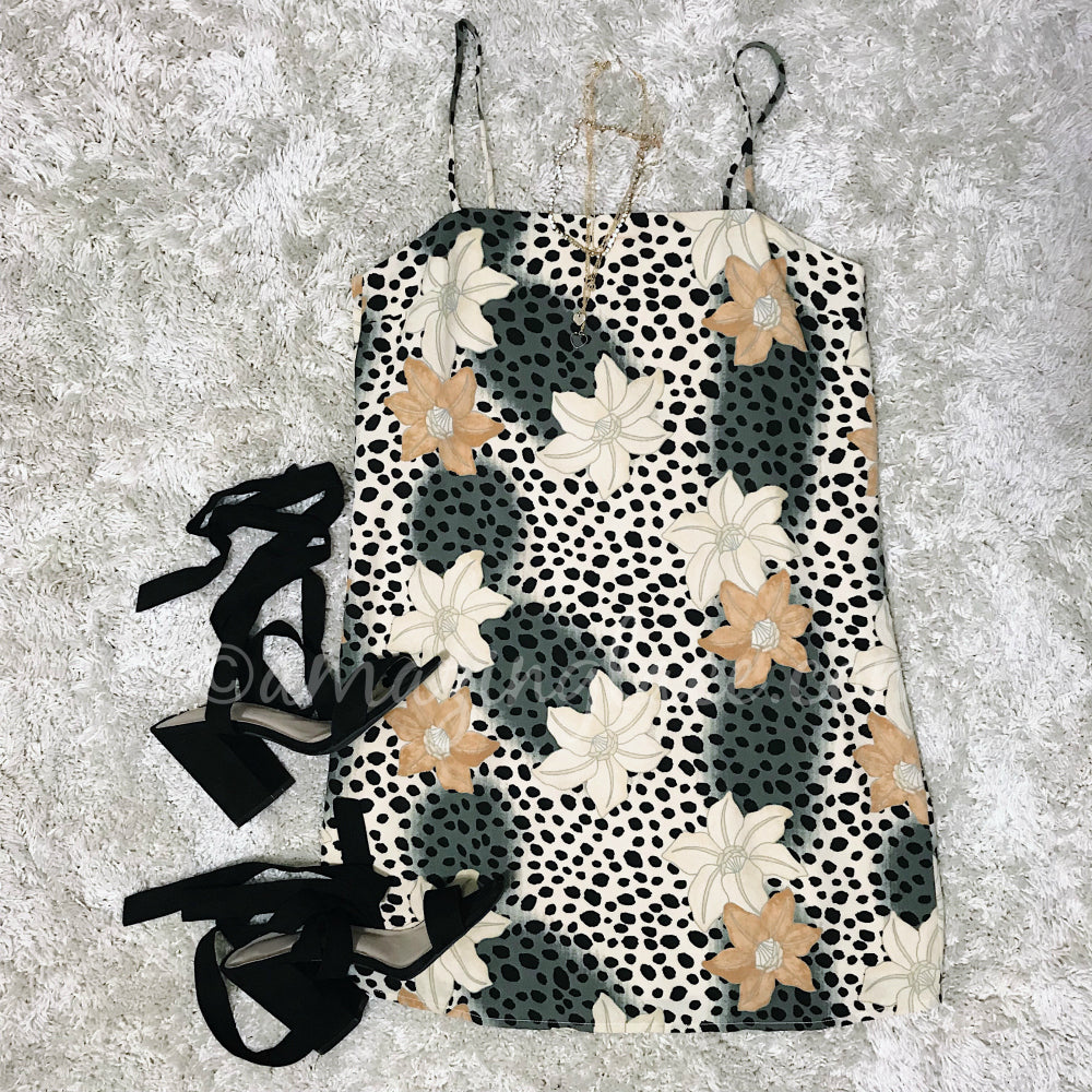 AMUSE SOCIETY FLORAL SLIP DRESS AND HEELS OUTFIT