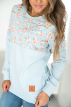 Load image into Gallery viewer, Ampersand Ave‰™  Pullover - Blue Floral