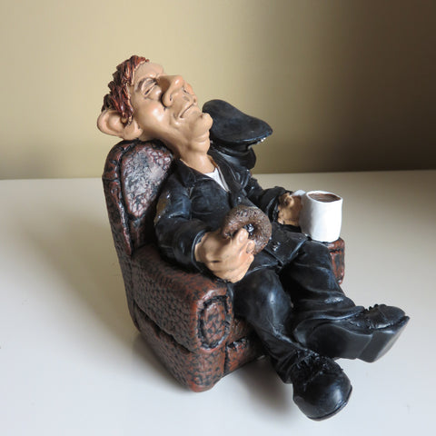 POLICEMAN COP WARREN STRATFORD MALE FIGURINE SITTING WITH COFFEE AND DONUT