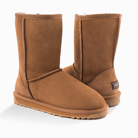 'NEW GENERATION' UGG LADIES CLASSIC 3/4 SHORT BOOT