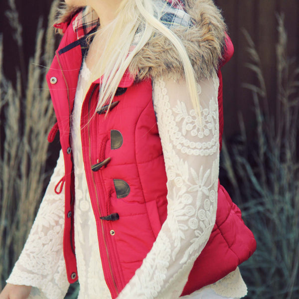 Cle Elum Vest in Red: Featured Product Image