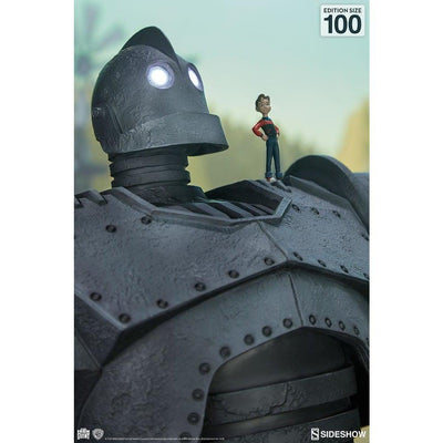 Iron Giant Maquette Cel Shaded Variant by Sideshow Collectibles