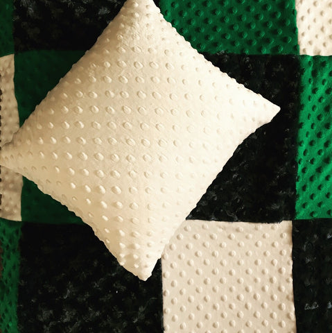 Dimple pillow with matching quilt