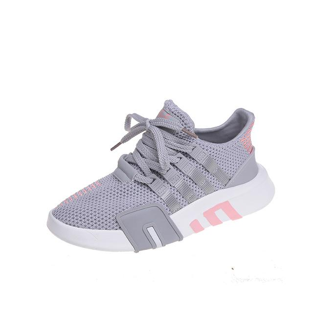 New Fashion Women Laces Mesh Sneakers Breathable Summer Flat Sneakers Lace Up Women Casual Shoes Big Size 43EU
