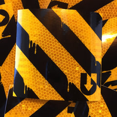 Honeycomb yellow/black diagonal drippy