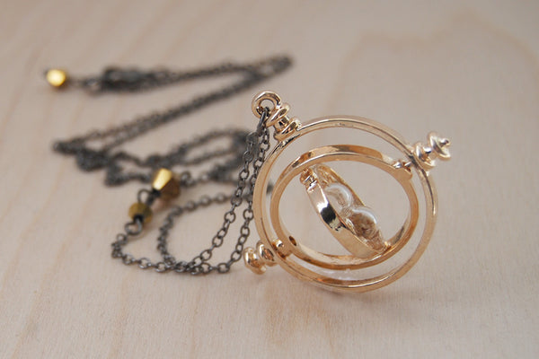 -Defective- Golden Time Turner Necklace | Hermione Granger Cosplay | Harry Potter Necklace - Defective- - Enchanted Leaves - Nature Jewelry - Unique Handmade Gifts
