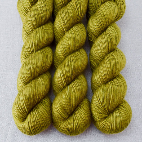 Moss - Miss Babs Yummy 3-Ply yarn