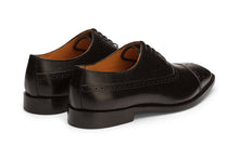 Load image into Gallery viewer, Toecap Oxford with Medallion-B