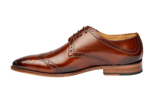 WINGCAP BROGUE DERBY WITH MEDALLION – MEDIUM BROWN