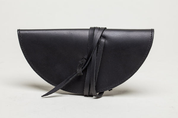 a basic sunglass case - coal