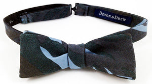 Camouflage Bat Wing Bow tie