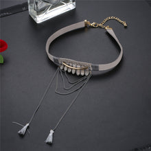 Load image into Gallery viewer, Ladies Necklace Acrylic Alloy Artificial Velvet Necklace Chain