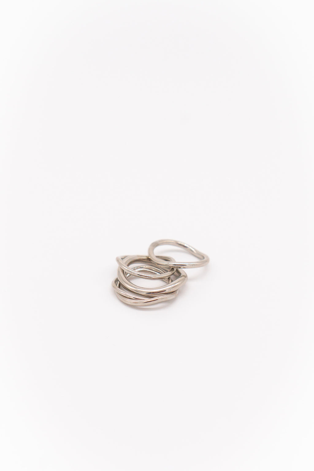 Soko Wavy Ring Stack in Silver