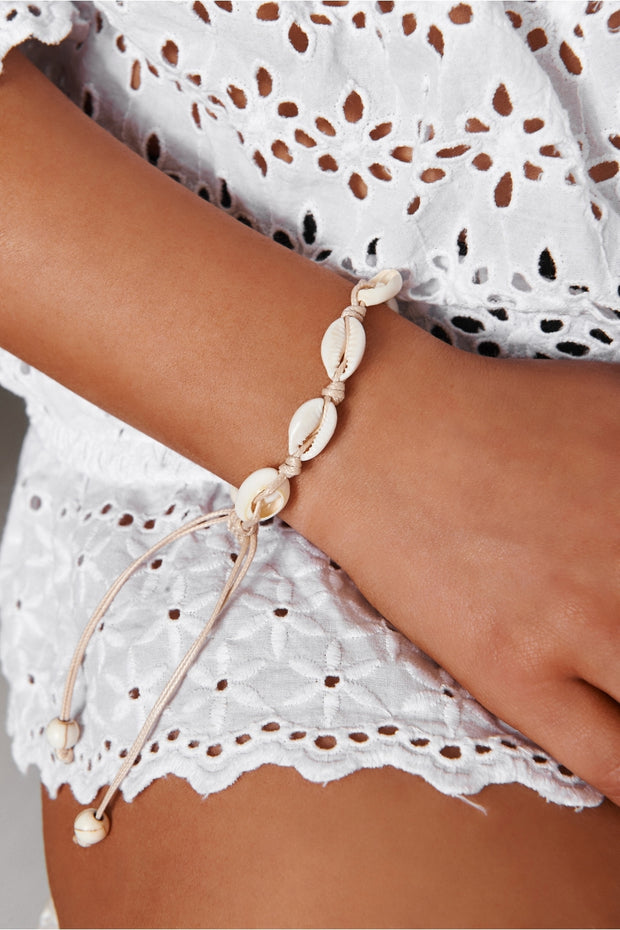 White Sea Shell Bracelet