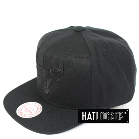 Mitchell & Ness Chicago Bulls All Black High Crown Snapback