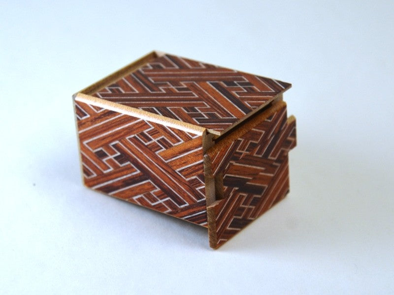 products/2_sun_7_step_red_saya_japanese_puzzle_box_2.jpg