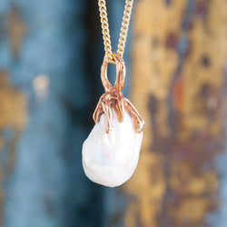 PEARL AND BRONZE PENDANT