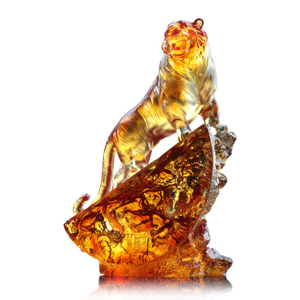 Tiger Figurine (Leadership) - Peak of Satisfaction - LIULI Crystal Art | Collectible Glass Art