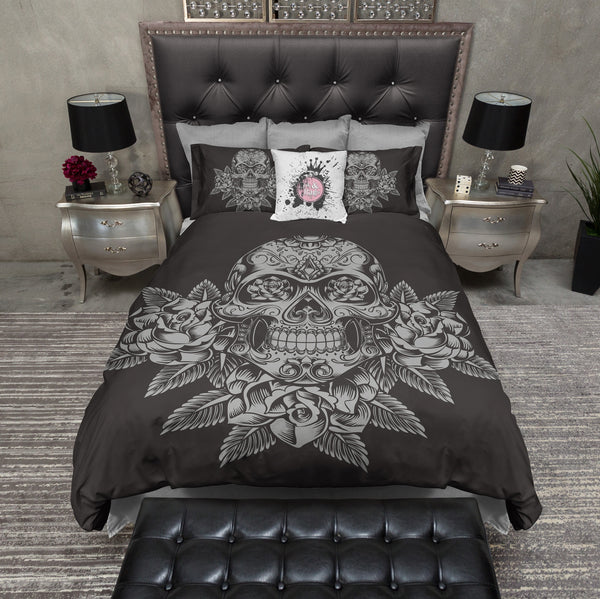 Grey Skull and Roses on Slate Bedding