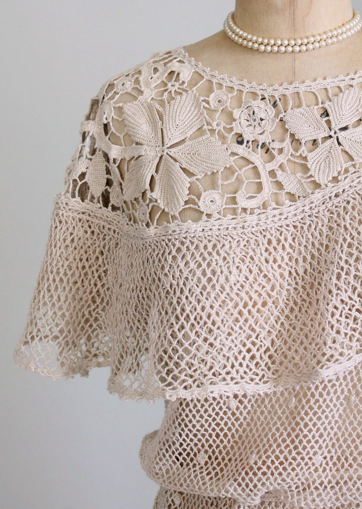 Vintage 1970s crochet flower top