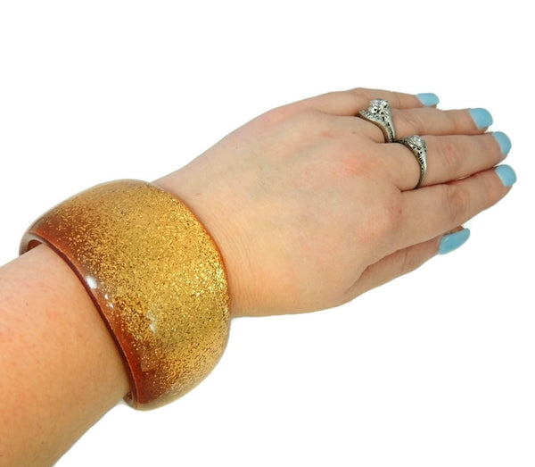 Vintage Lucite Gold Glitter Bangle Asymmetrical 1970s - Premier Estate Gallery  - 4