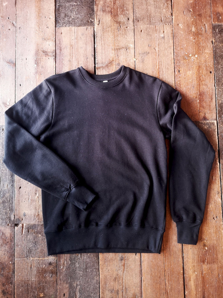 BLACK ORGANIC COTTON SWEATSHIRT