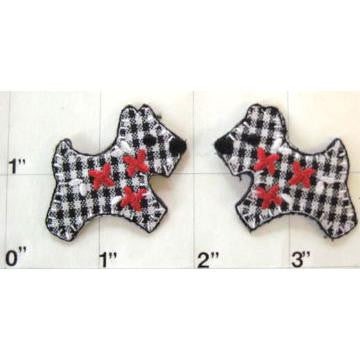 "Dog Scottie Checkered Plaid Embroidered iron-on  1.5"" x 1.25"