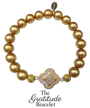 The Teramasu Gratitude Bracelet in Gold Hand-painted Shell Pearl