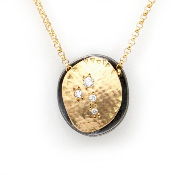 Oyster Pendant Gold