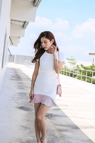 (PREMIUM) NOVA COLOURBLOCK MERMAID DRESS IN WHITE