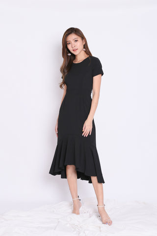 (PREMIUM) BRISA MERMAID RUFFLES DRESS IN BLACK