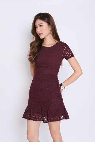 *PREMIUM* KIARA EYELET DRESS IN PLUM