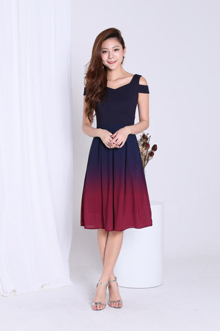 *PREMIUM* ONE LAST DANCE OMBRE COLD SHOULDER DRESS (NAVY-BURGUNDY)